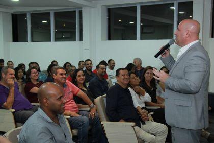 Notícia de Águas Lindas – Empresários e microempreendedores da cidade participam de palestra do Sebrae
