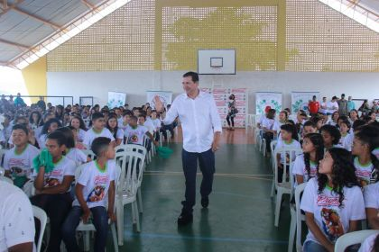 Notícia de Águas Lindas – Prefeito Hildo do Candango participa formatura do Proerd dos alunos de Águas Lindas