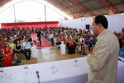 Hildo do Candango prestigia formatura nas escolas municipais de Águas Lindas