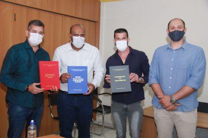 Notícia de Águas Lindas - Secretaria Municipal de Saúde de Águas Lindas lança a Biografia na 2ª Edição - Relação Municipal de Medicamentos Essenciais-(REMUME)