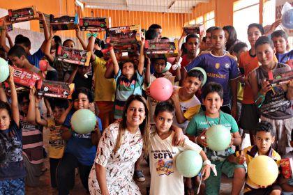 Aleandra Sousa é destaque no Social de Águas Lindas de Goiás