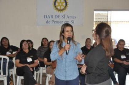 Prefeito Hildo do Candango de Águas Lindas de Goiás promove treinamentos para servidores da prefeitura de Águas Lindas de Goiás