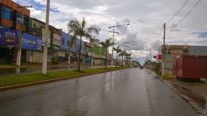 Notícias de Águas Lindas - Chuvas constantes não atrapalham a continuidade das obras na cidade