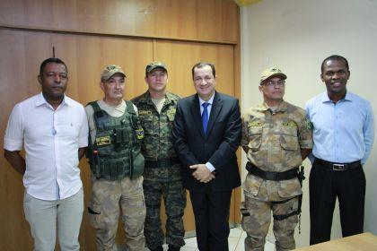 Notícias de Águas Lindas - Hildo do Candango reúne-se com membros do CONSEG e da Força Nacional de Proteção Ambiental