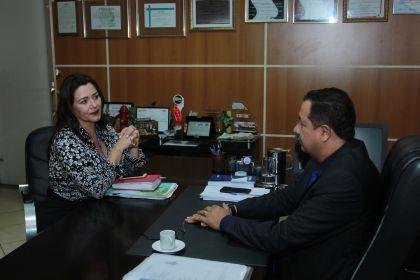 Hildo do Candango recebeu no gabinete da Prefeitura de Águas Lindas gerente do IEL