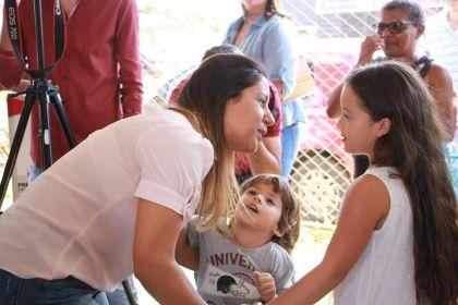 Nas redes sociais, Aleandra Sousa agradece e parabeniza cantora natural de Águas Lindas de Goiás